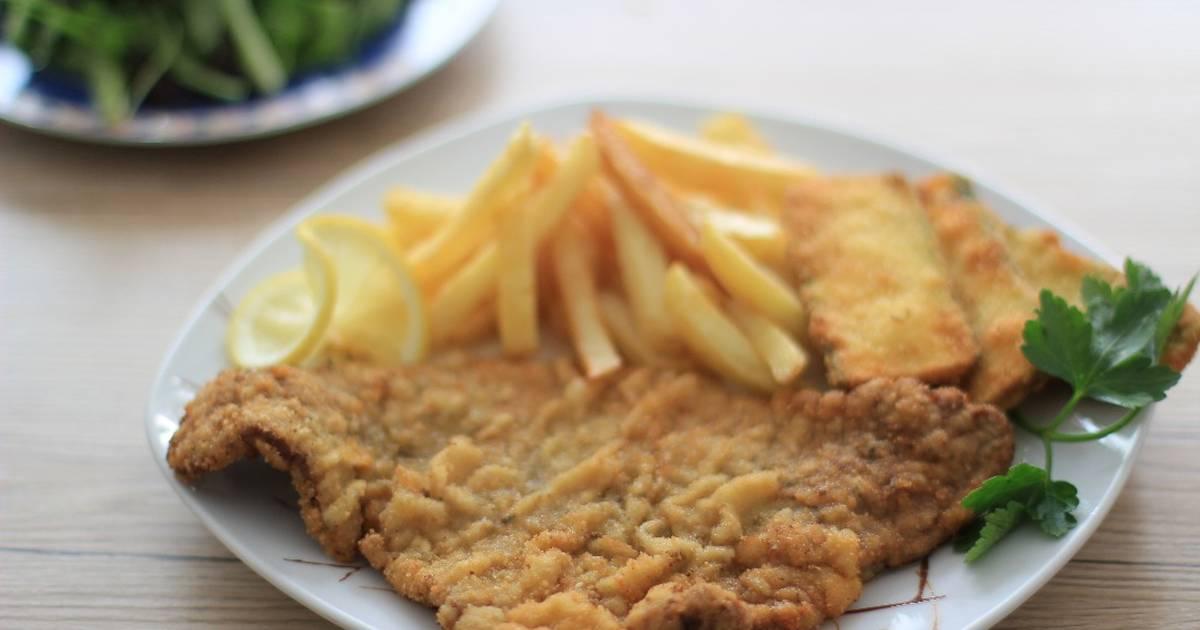 Corte de carne de res generalmente delgado que es empanizado en su totalidad para después freír, usualmente se sirve con papas fritas o algún otro acompañamiento que comúnmente son guarniciones o ensaladas.